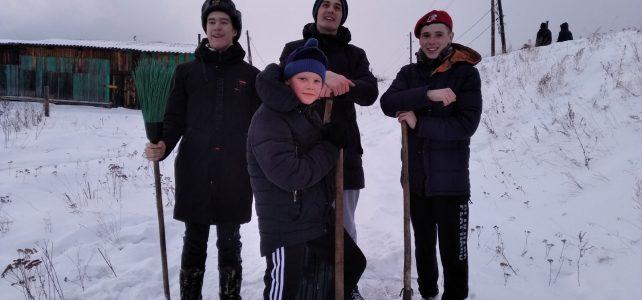 Юнармейцам снег не страшен!